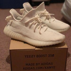 Cream white yeezy 350 100% Authentic!!